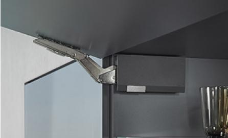 Klapdeurbeslag AVENTOS HK top : biedt een nog grotere functionaliteit in de kleinste ruimte