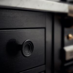 Möbelgriffe und -knöpfe Blackollection