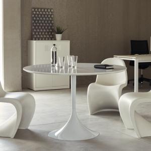 Tischbeine und Möbelfüße